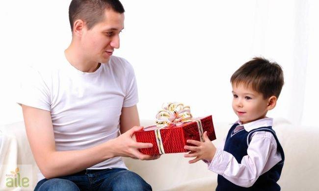 Подарки от родителей сыну 377